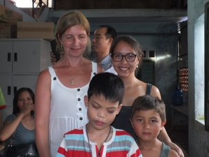 starsofvietnam-patenprogramm-iljana-le-van-besucht-chinh